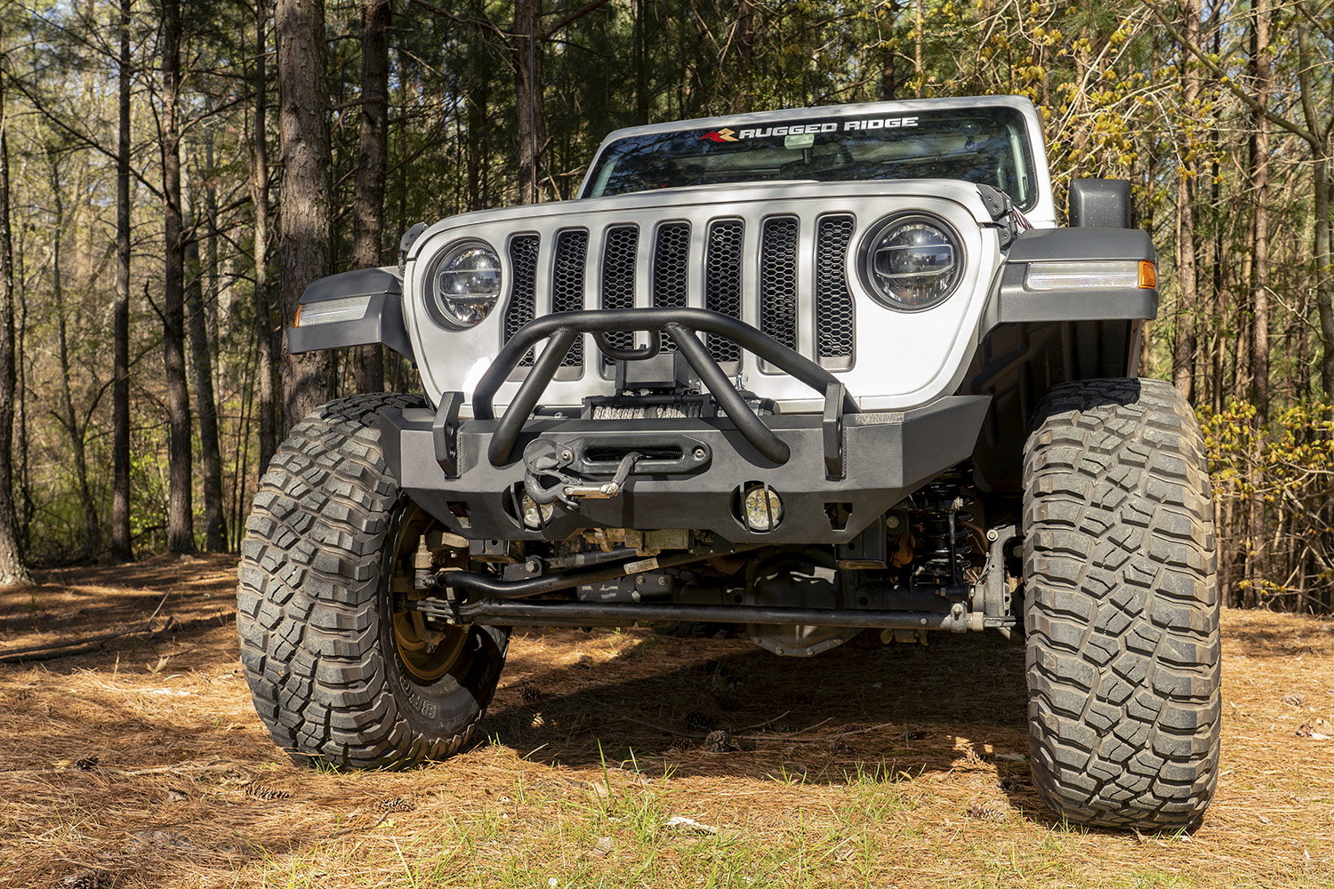 HD Bumper Stubby Front 07-18 Wrangler JK 18-19 Wrangler JL 2020 Gladiator JT Get two FREE Round LED lights (15209.01) with new HD Bumper for JL
